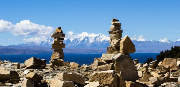 Islas y Huacas, Bolivia