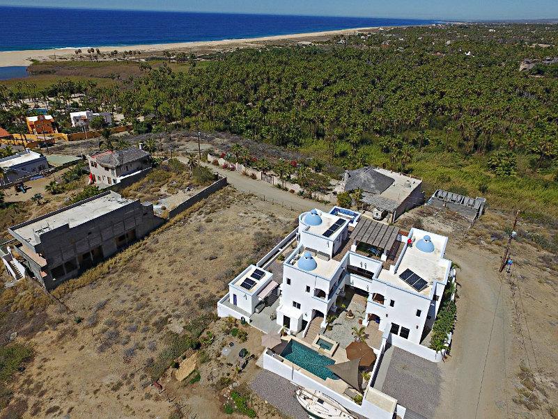Casa oasis todos santos es su casa in the know traveler for Casa moderna todos santos