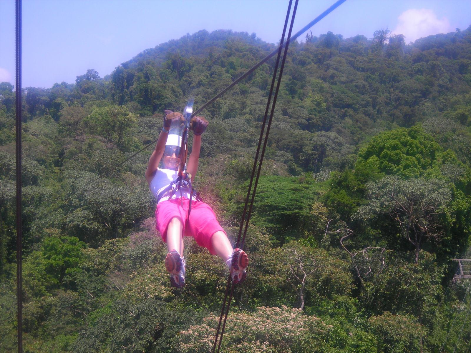 Ziplining Arenal